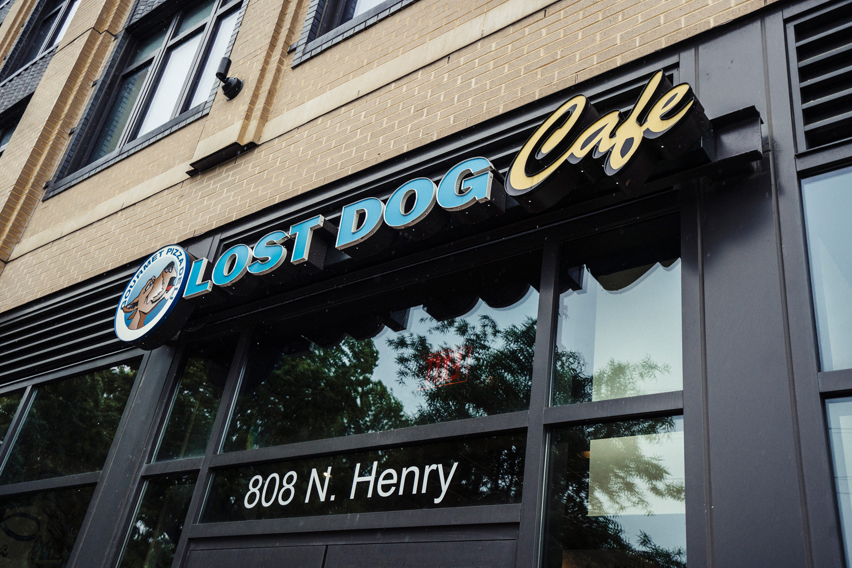 020_PhotoFolio_Web_TheLostDogCafe_DSC4791